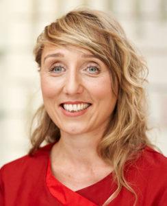 Ina Schmidt - Pharmazeutisch Technische Assistentin (PTA), Pharmazieökonomin, Zertifizierte AromaBeraterin, Mutter-Kind-Weiterbildung