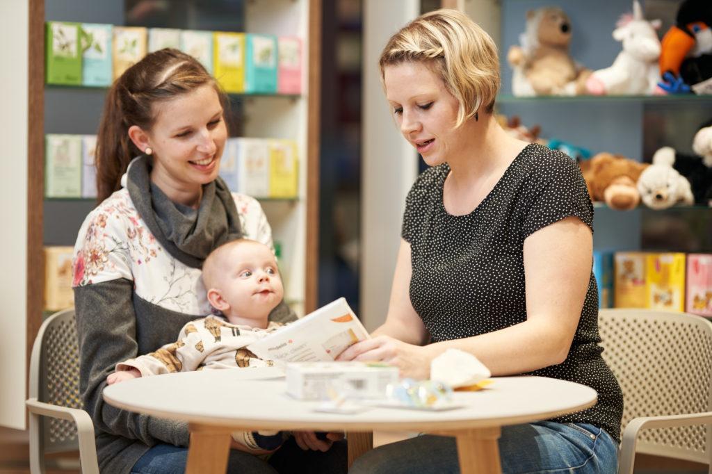 happy family für Schwangere, junge Mütter und Väter